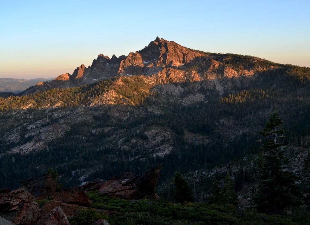 sierra-city-peak